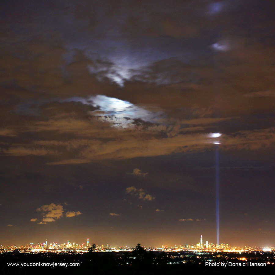 Cityscape_Eagle_Rock_WTC_Lights_7640_square_600