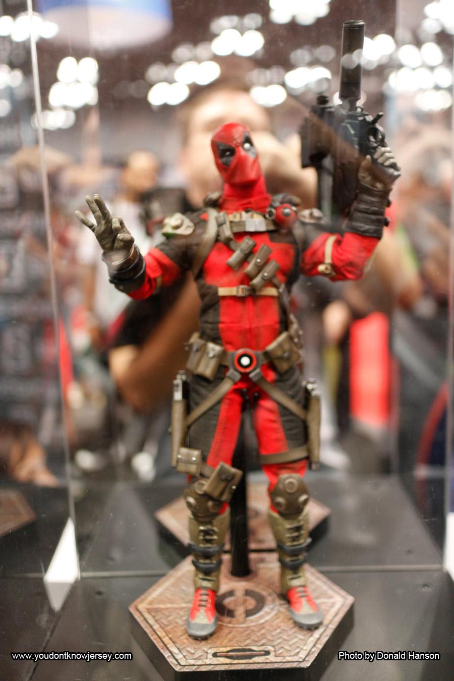 Deadpool_Sideshow_Toys_0292
