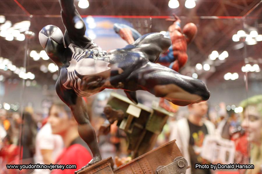 Spider-Man_Black_Costume_Sideshow_Toys_0281