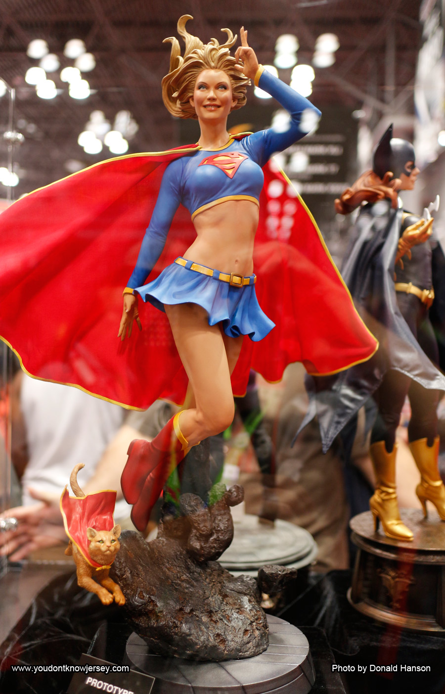 Supergirl_Sideshow_Toys_0262
