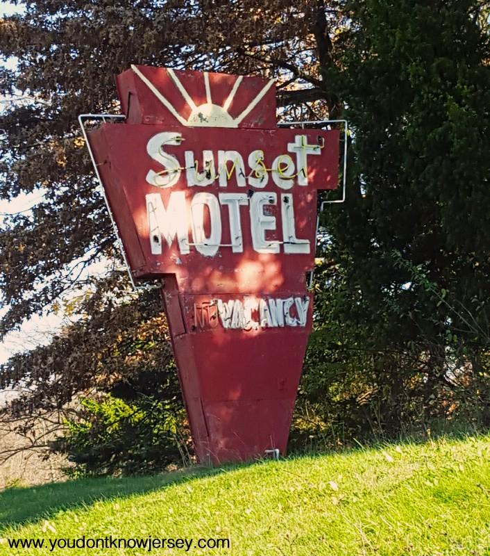 SunsetMotel